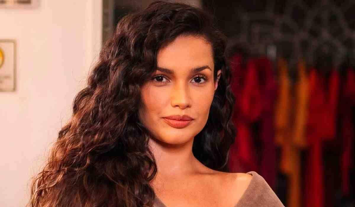 Juliette Freire posa com cabelo cacheado e brinca: 'vibes sereia'
