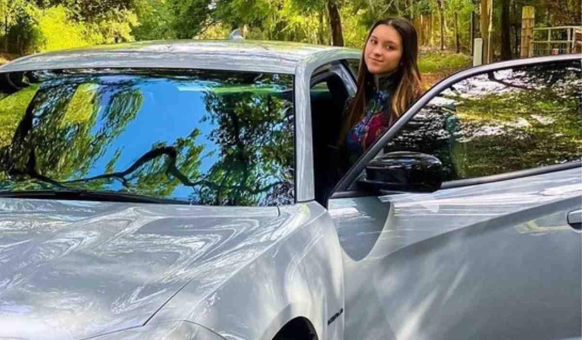 Sofia Liberato, filha do Gugu, compra carro avaliado em até R$ 427 mil