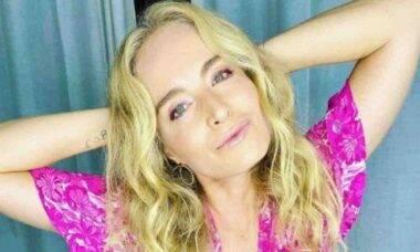 Angélica encanta os seguidores com nova selfie: 'fazendo carão'