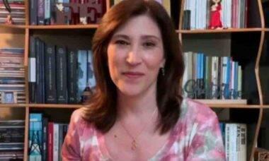 Após perder a mãe, Beth Goulart pede orações à irmã intubada com covid-19