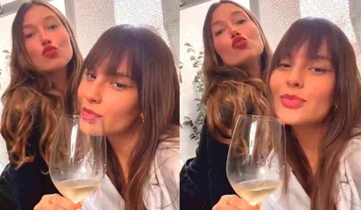 Thais Braz e Gabriela Pugliesi posam juntas curtindo almoço de domingo
