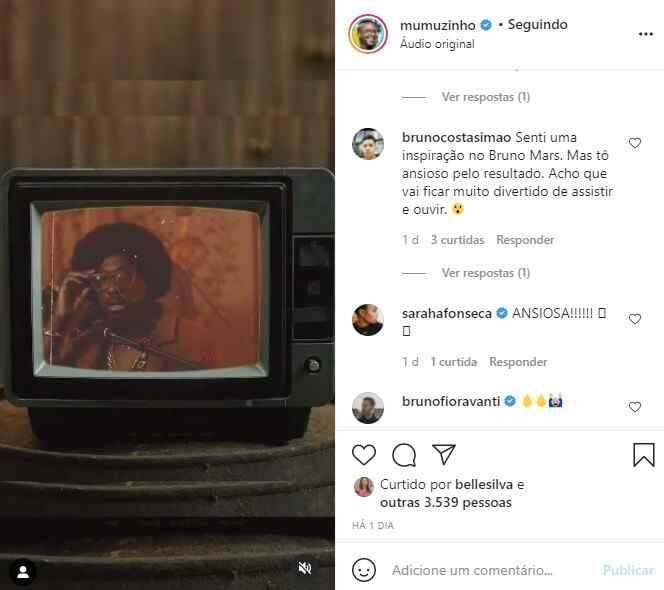 Mumuzinho adota visual novo para clipe e look chama a atenção da web (Foto: Reprodução/Instagram)