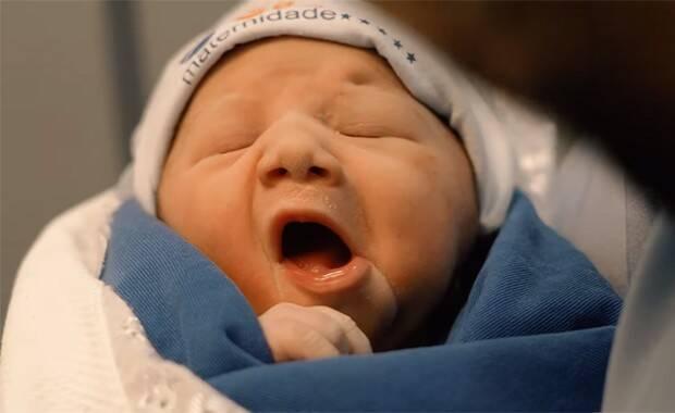 Virgínia Fonseca e Zé Felipe mostraram o rostinho da primeira filha (Foto: Reprodução/Instagram)