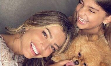 """Grazi Massafera se declara para a filha: """"Viver com muito amor"""""""