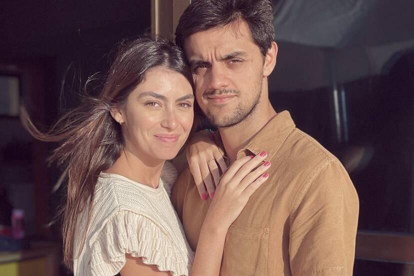 "Mariana Uhlmann se derrete por Felipe Simas: ""Amo viver ao seu lado"""
