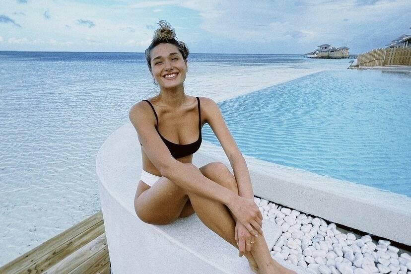 Sasha Meneghel curte lua de mel com o marido nas Maldivas