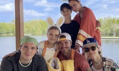 Victoria Beckham revela que tem balde com dentes de leite dos filhos