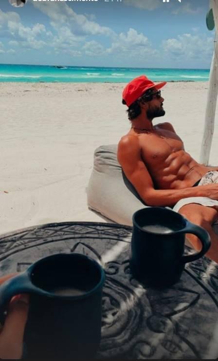 Débora Nascimento posta clique do namorado em viagem no México (Foto: Reprodução/Instagram)