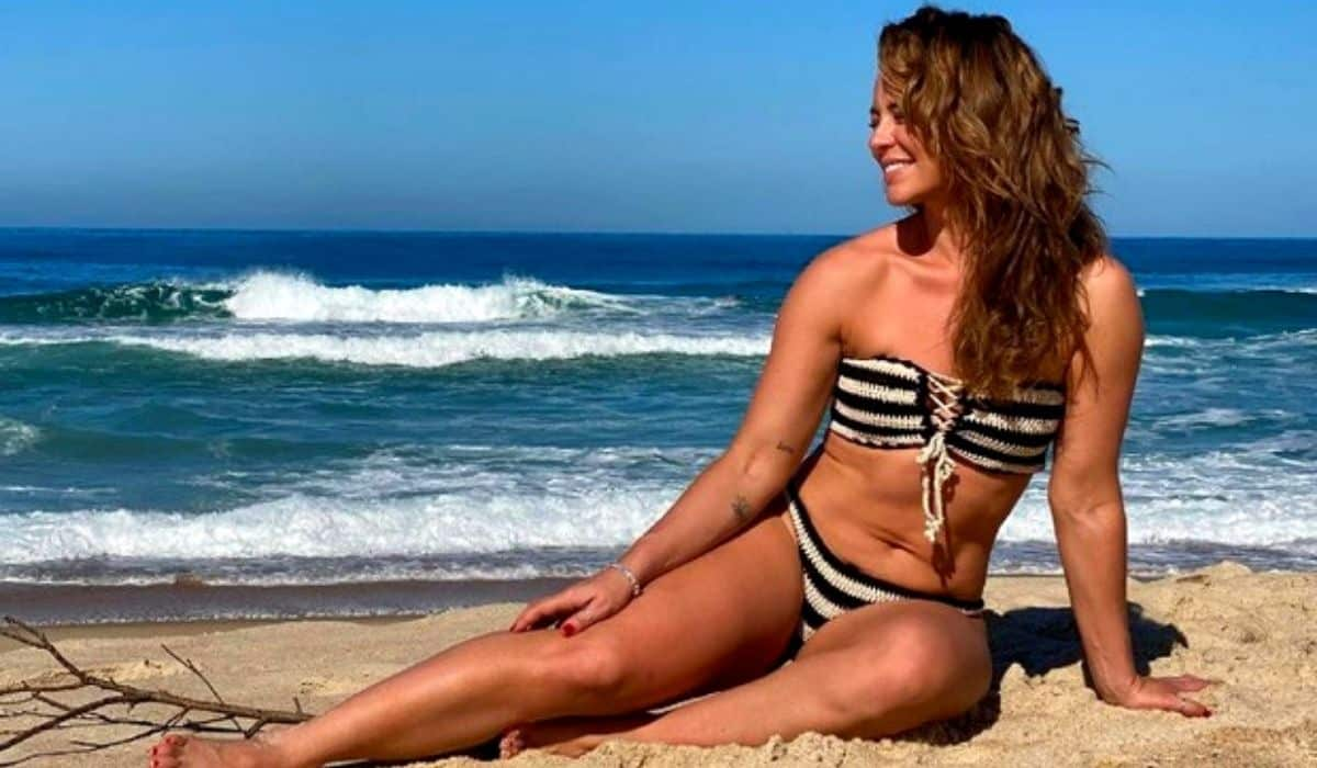 Paolla Oliveira posta novos cliques curtindo praia: 'pra lavar a alma'