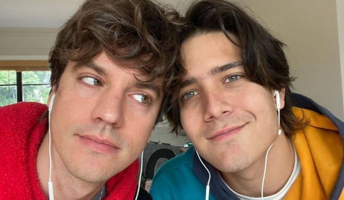 Irmão de Luciano Huck posta foto com o marido: 'viado com muito orgulho'
