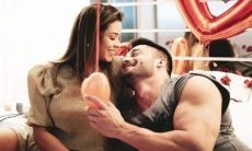 Ivy Moraes faz surpresa romântica e pedido de namoro a Fernando Borges