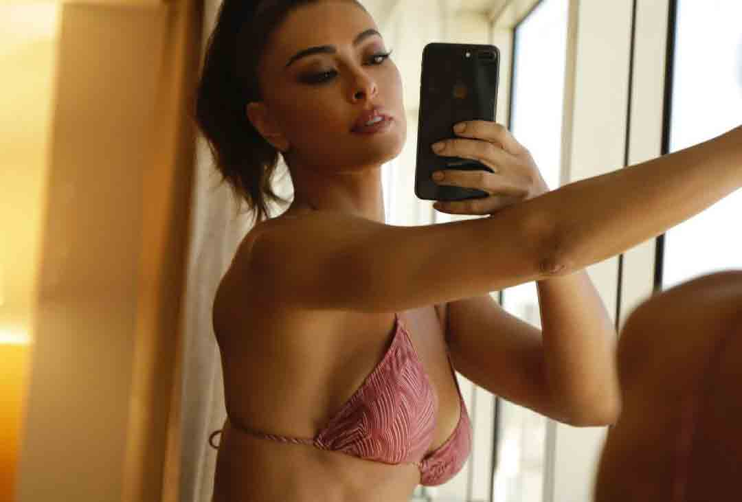 Juliana Paes surge de biquíni mínimo em ensaio para o dia dos namorados. Foto: Reprodução Instagram