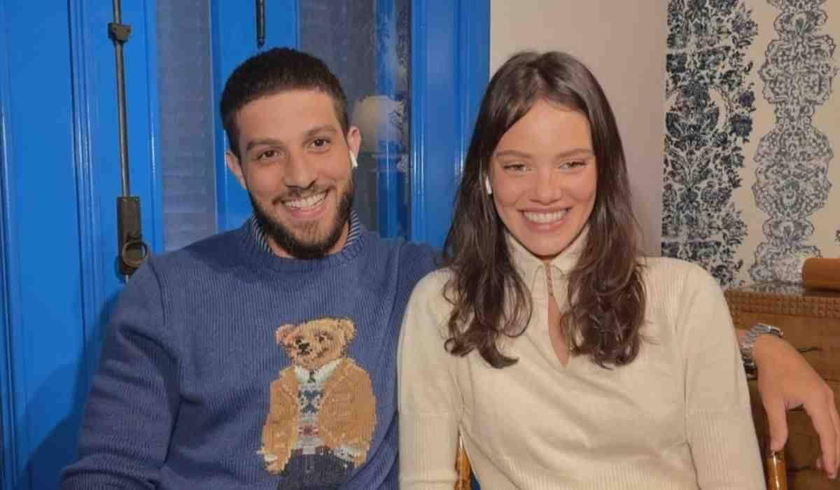 Chay Suede e Laura Neiva falam sobre segundo filho: 'é um menino'