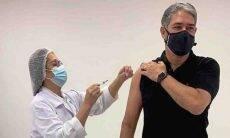 William Bonner toma primeira dose da vacina contra covid-19: 'sou grato'