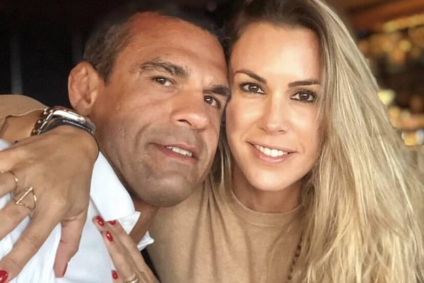 """Vitor Belfort se derrete por Joana Prado no aniversário: """"Maior presente"""""""