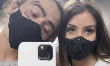 Whindersson surge com novas tatuagens no rosto em selfie com Maria Lina