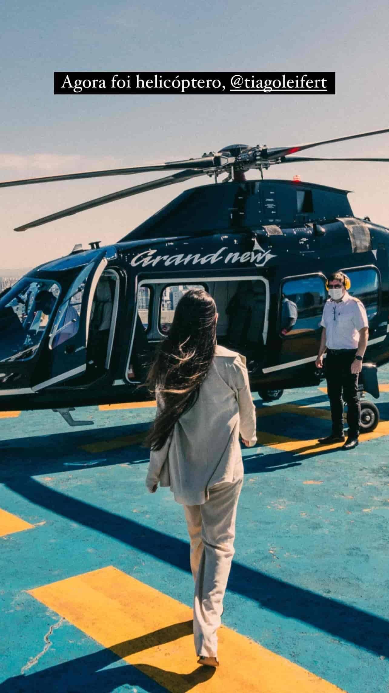 Juliette Freire curte andar de helicóptero: 'tô chique demais' (Foto: Reprodução/Instagram)