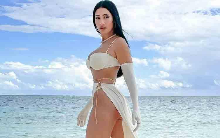 Simaria e deixa escapar detalhe ousado em foto na praia. Foto: Reprodução Instagram