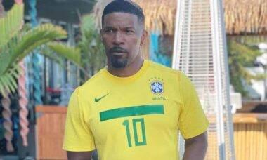 Jamie Foxx posa com a camisa da seleção brasileira e cita Pelé. Foto: Reprodução Instagram