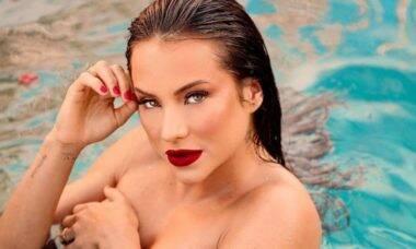 Gabi Martins faz carão e topless em ensaio sensual de biquíni (Foto: Reprodução/Instagram)