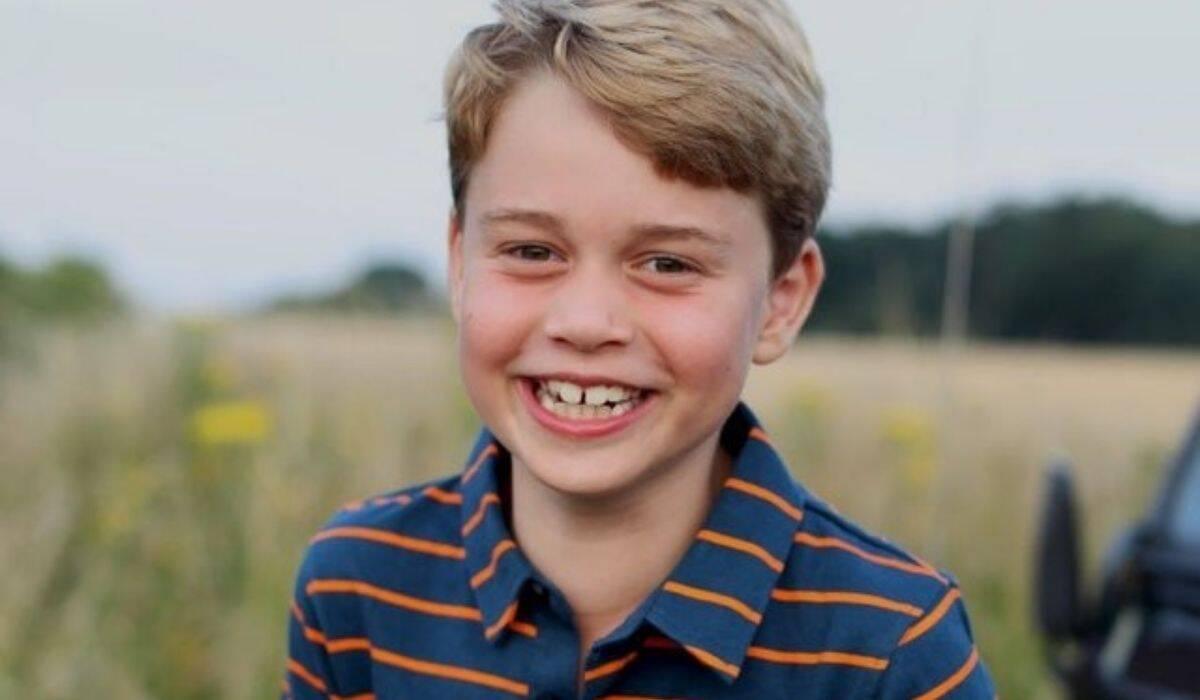 Príncipe George surge em novo clique para celebrar aniversário de 8 anos