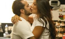 Andressa Ferreira se cura da Covid-19 e celebra volta da vida sexual com Thammy Miranda