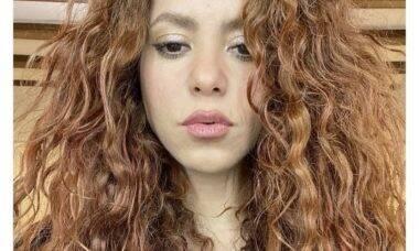 Shakira estaria se assumindo homossexual, segundo fãs