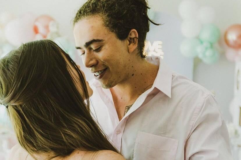"Whindersson Nunes celebra 9 meses de namoro com Maria Lina: ""Te amo princesa"""