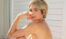 Flávia Alessandra posta clique nua e impressiona os fãs: 'linda'