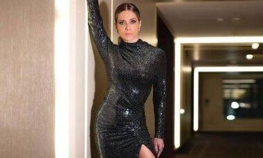 Leticia Spiller posa com look fashion e revela inspiração: 'Deusa Beyoncé'