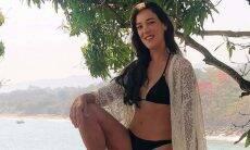 Adriana Birolli posa de biquíni em viagem à Ilhabela: 'paraíso'