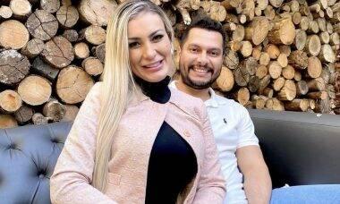 """Grávida, Andressa Urach faz primeiro pré-natal: """"Estou muito enjoada"""""""