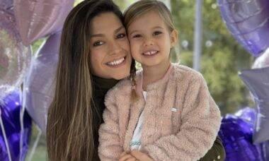 """Thaís Fersoza comemora aniversário da filha com Michel Teló: """"Minha princesa real"""""""