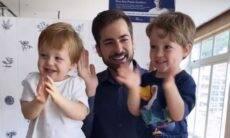 """Thales Bretas celebra aniversário do filho, Gael: """"Menino mais risonho e engraçado que conheço"""""""