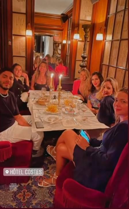 Jantar entre Bruna Biancardi e os amigos de Neymar (Foto: Reprodução/Instagram)