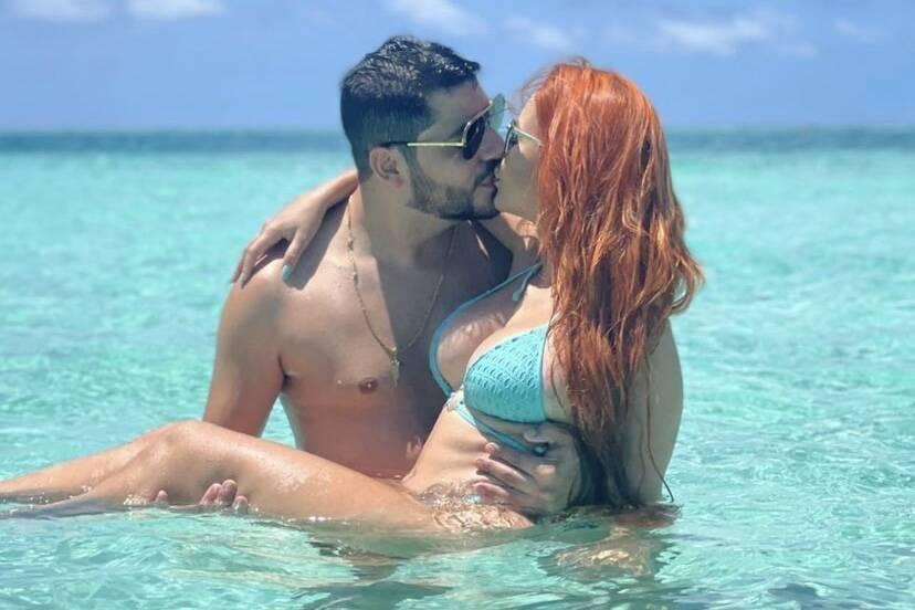 Mirela Janis e Yugnir Ângelo reatam namoro após término conturbado