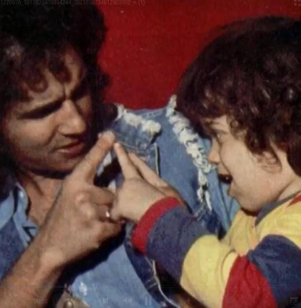 Em luto, Roberto Carlos homenageia o filho: 'inesquecível e insubstituível' (Foto: Reprodução/Instagram)