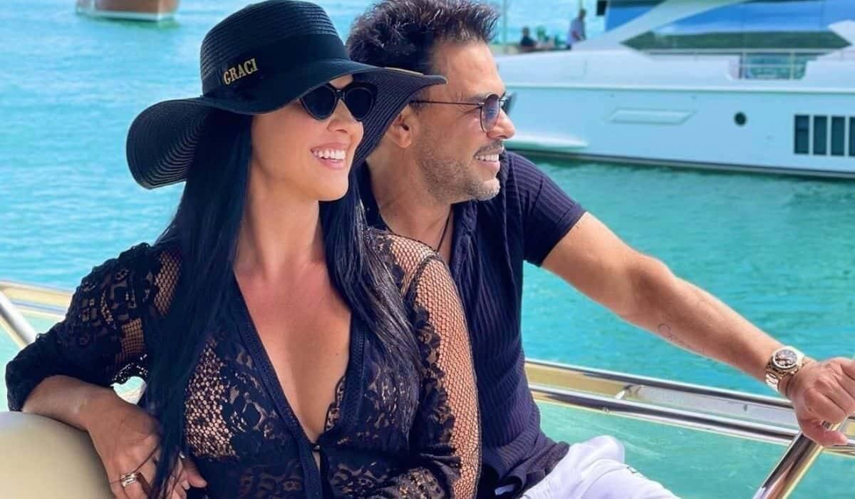 Graciele curte dia de sol em passeio de iate com Zezé Di Camargo