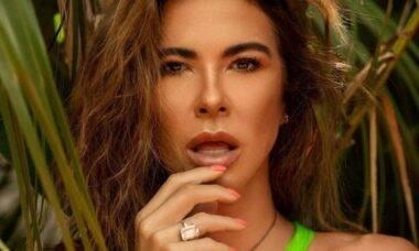 Luciana Gimenez exibe mudança no visual e celebra: 'loira'