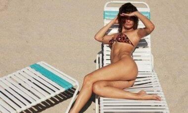 Isabeli Fontana responde fã sobre clique de biquíni: 'tudo enganação'