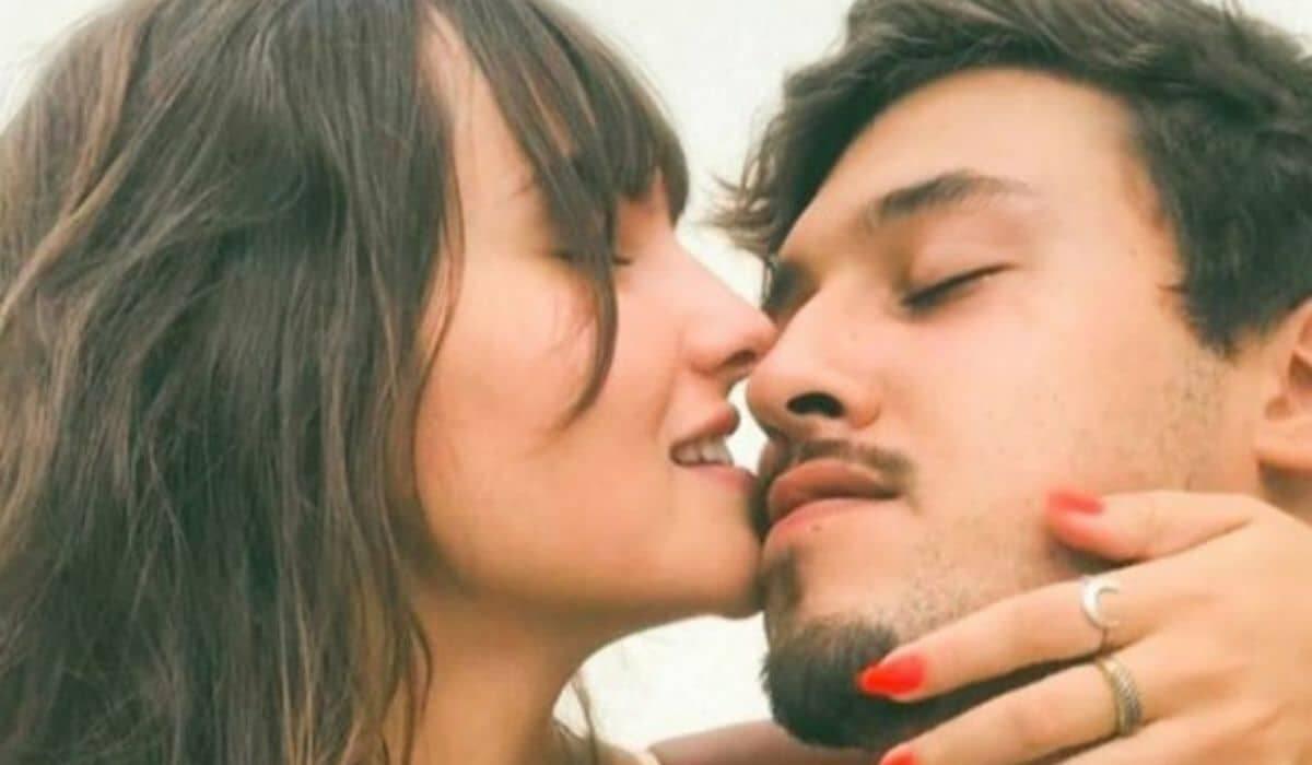 A ex-BBB Thaís Braz reata relacionamento com o namorado Lucca Dias
