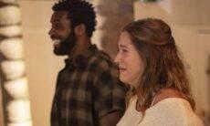 Aline Becker e Rafael Zulu se emocionam com chá de bebê surpresa
