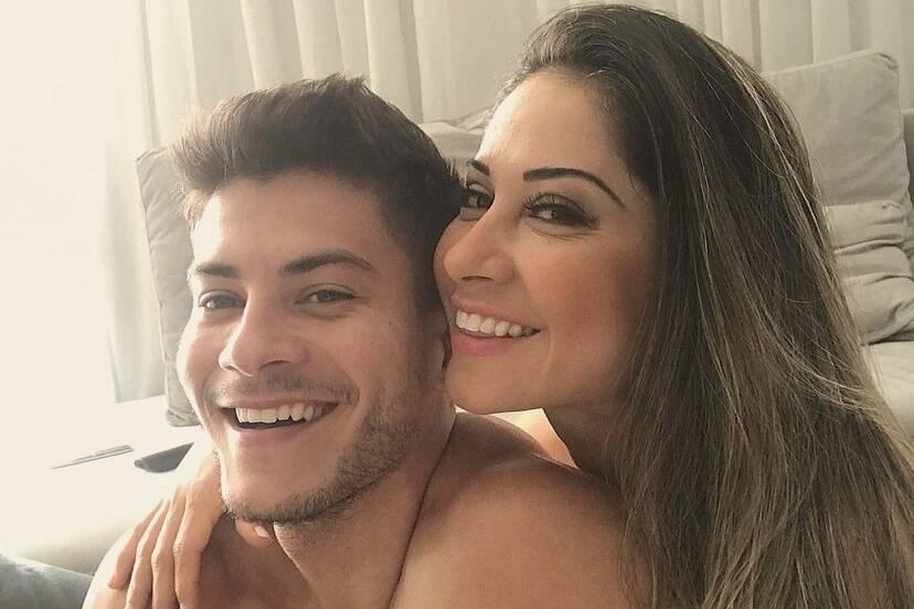 Arthur Aguiar se declara para Mayra Cardi em post