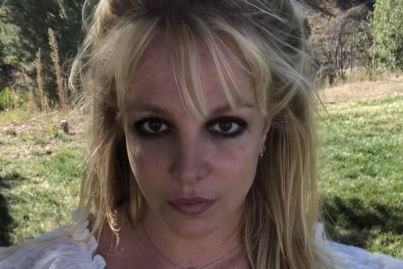 Britney Spears retorna às redes após viagem com o noivo