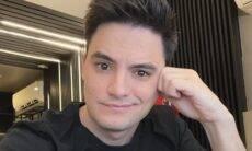 """Felipe Neto é criticado após dizer que era uma """"criança viada"""""""