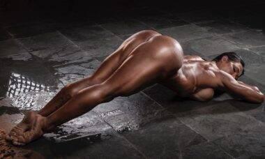 Gracyanne Barbosa empina bumbum musculoso e fala sobre metas