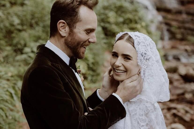 """Lily Collins celebra casamento com escritor: """"Nunca fui tão feliz"""""""