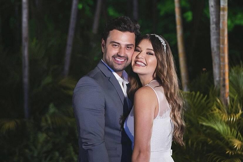 "Lyandra Costa, filha de Leandro, celebra noivado: ""Inexplicável"""