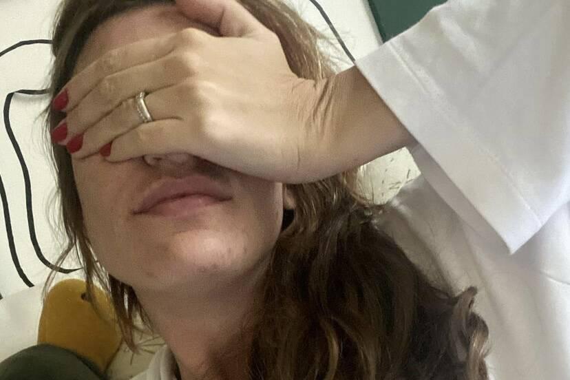 """Grávida, Rafa Brites relata acidente doméstico: """"Cena de horror"""""""